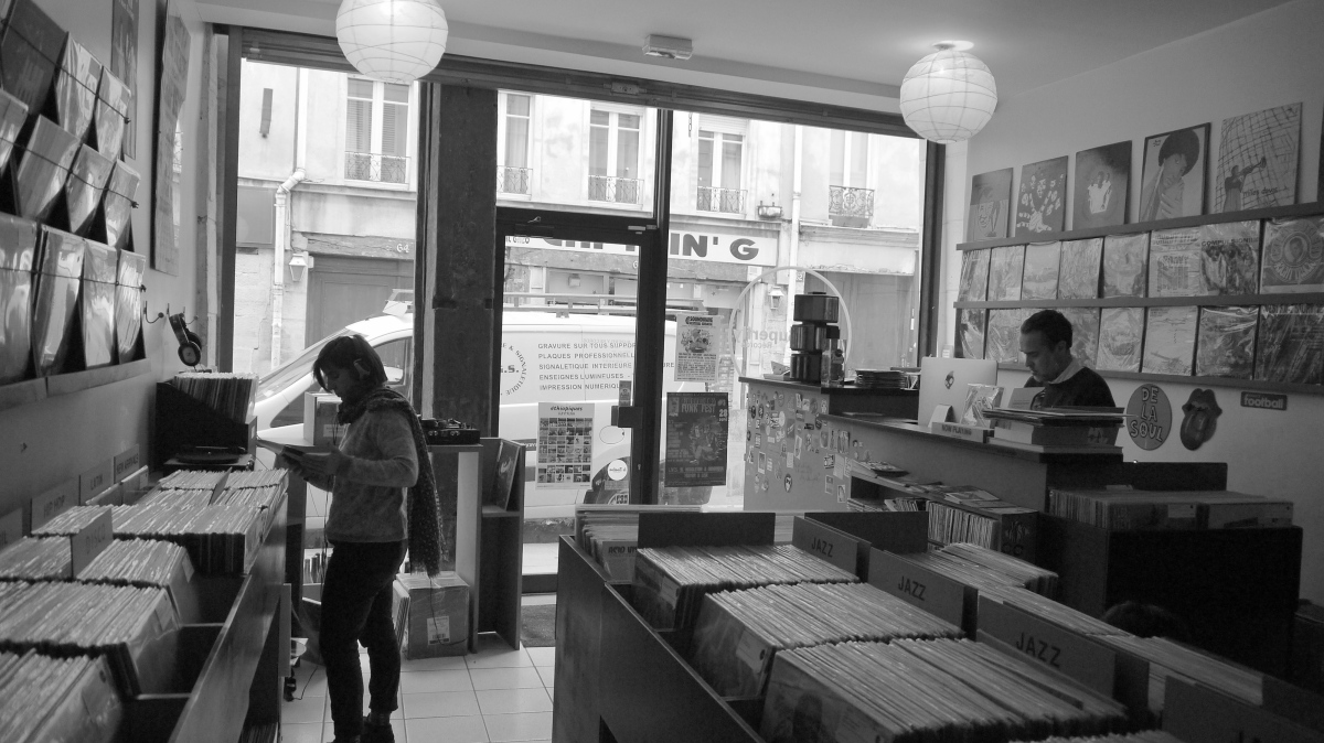UN DISQUAIRE À PARIS - Superfly Records